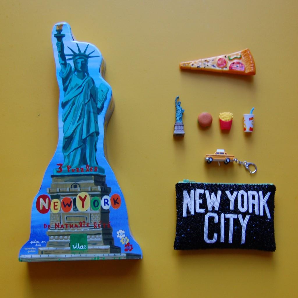 NY黄色正方形