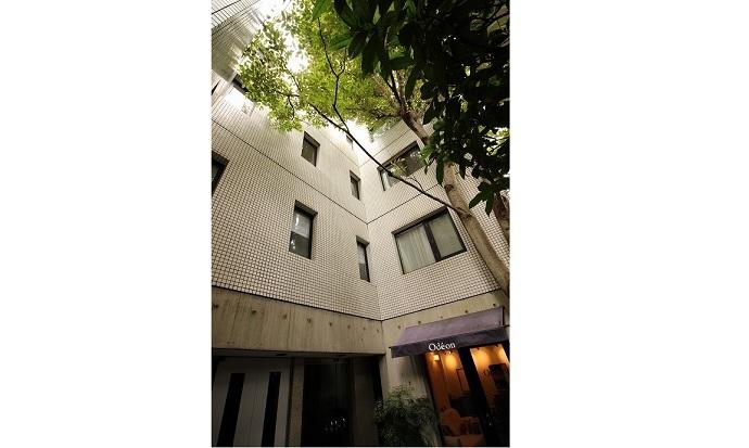 ポプラ並木と琵琶湖疎水のマンション 京都市左京区北白川
