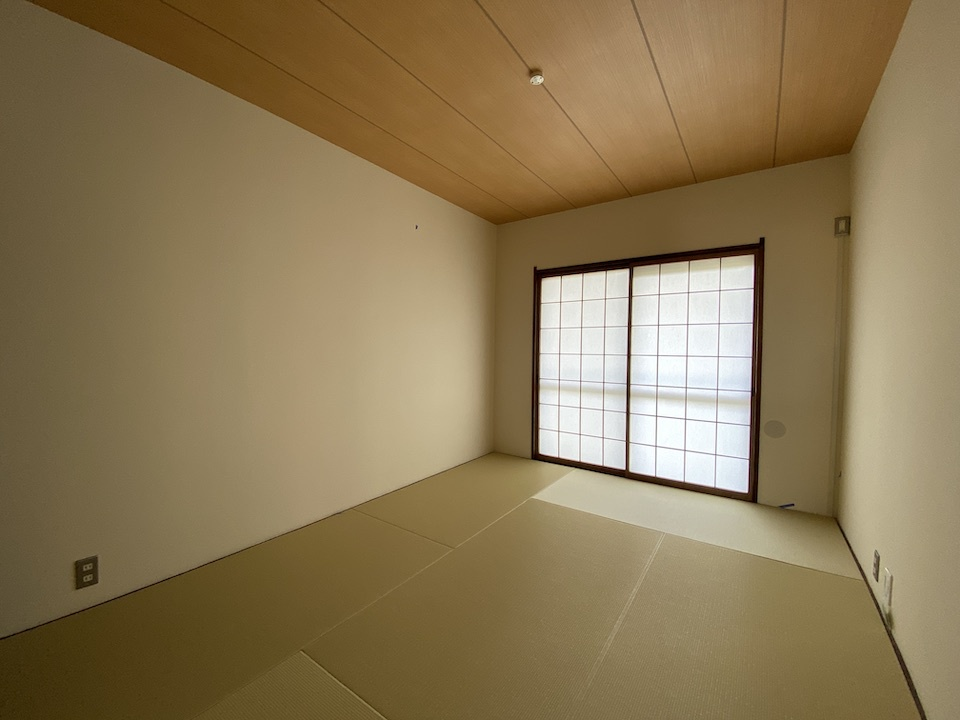 水面が輝く、リノベ―ションビンテージマンション 嵐山ロイアルハイツ 1980万円