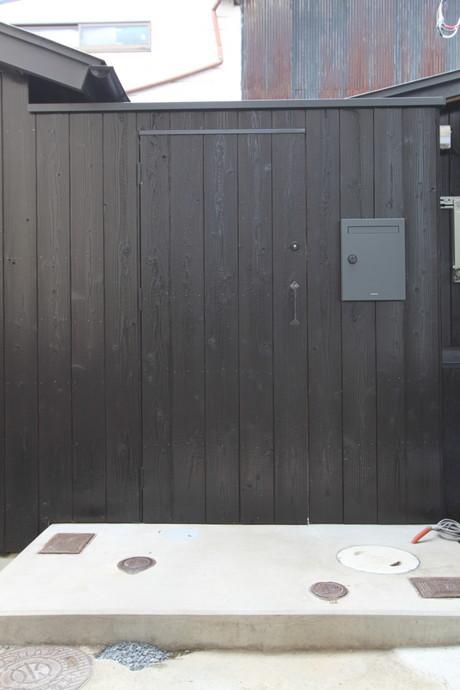 【再募集】アトリエ兼住居OK!あっちとこっちに分かれた家。9.8万円
