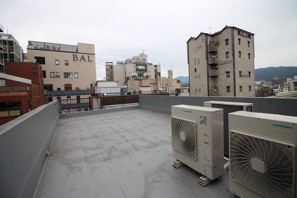 【変更】クラッシクと喧騒のあった場所 中京区河原町蛸薬師ビル 分割貸しします!