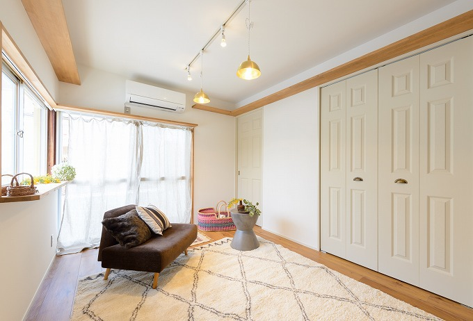 1室募集!3匹の猫と暮らせるマンション「エモンヤマシナ」 賃料45,000円