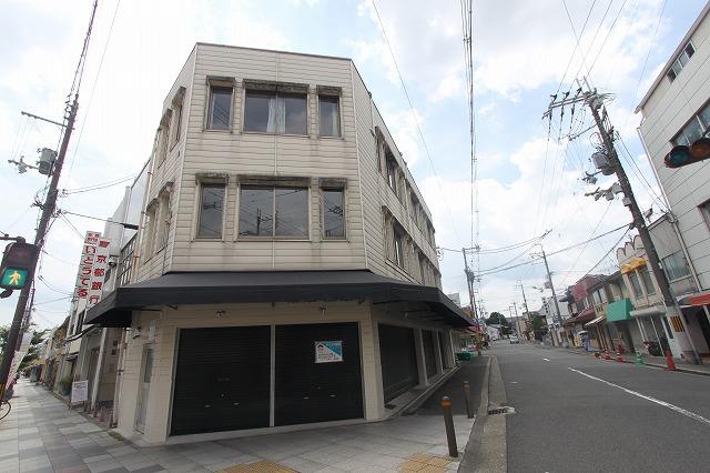 メニ―ウインドウ&メニ―ライト 新大宮商店街2階